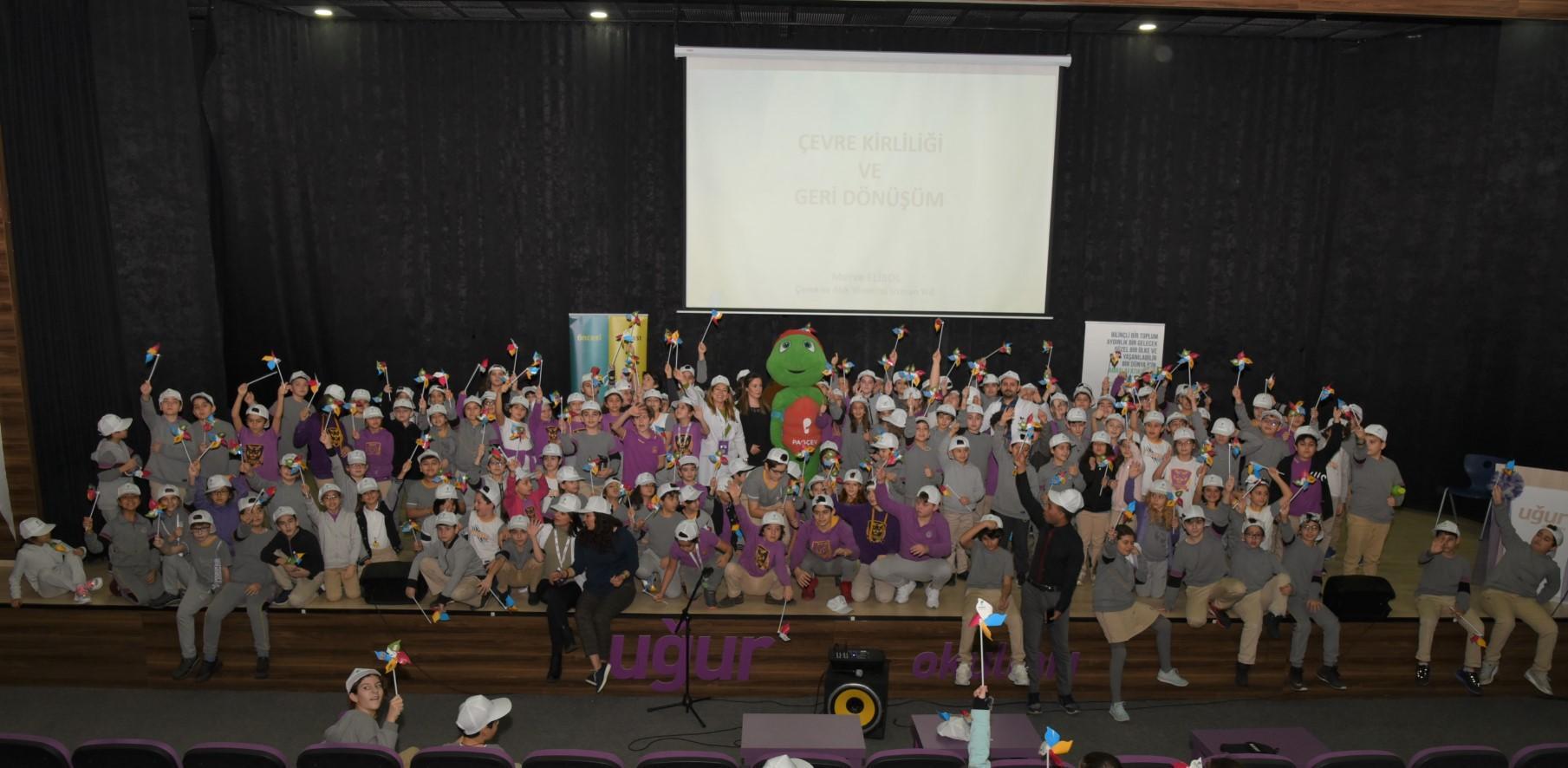 Uğur Okulları Halkalı Kampüsü İlkokulu Öğrencilerine Geri Dönüşüm Anlatıldı